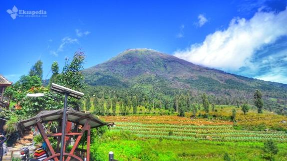 Keindahan Gunung Sindoro Dari Posong
