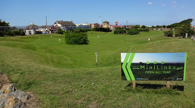 Pennines Putting at the MiniLinks in St Annes on the Sea