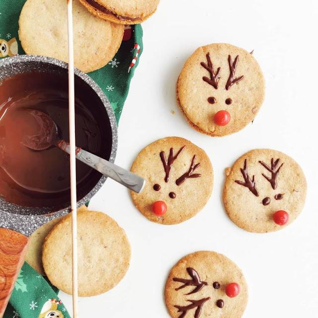 cookies-honey-christmas_cookies-sweet_easy_to_make-rudolf_cookies-rudolf