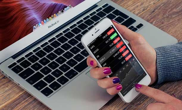 Melihat 7 Manfaat dan Pentingnya Peranan Teknologi Informasi dalam Bisnis