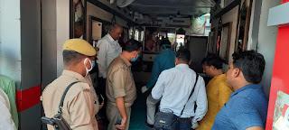 आभूषण की दुकान से डेढ़ लाख कैश समेत लाखों की चोरी | #NayaSaberaNetwork