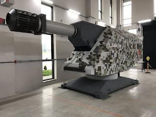 Teknik Özellikleri ;    -Güç: 10 Megajul  -Namlu Uzunluğu ;7 metre  -Mermi : 35 mm  -Mühimmat Ağırlığı: 1500 gr  -Menzil : 50 km  -Hız : Hipersonik (ses hızının 6) katı