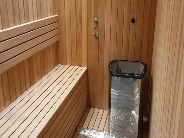 Thi công phòng xông hơi gỗ Tuyết Tùng