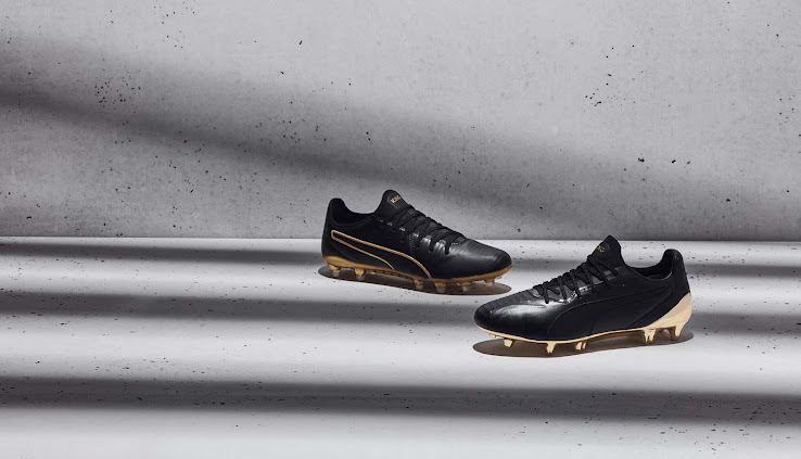 triángulo recoger personalizado  Black / Gold' Puma King Platinum Boots Released - Footy Headlines
