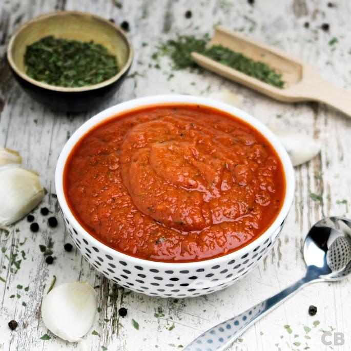 Recept: zo maak je zelf tomatensaus met basilicum: een makkelijk recept voor een Italiaanse klassieker!