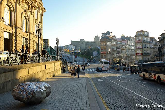 Catedral vista desde la estación de San Benito, Oporto