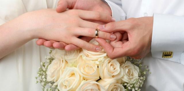 Kenyataan Menjijikkan di Balik Foto Pernikahan Romantis Ini