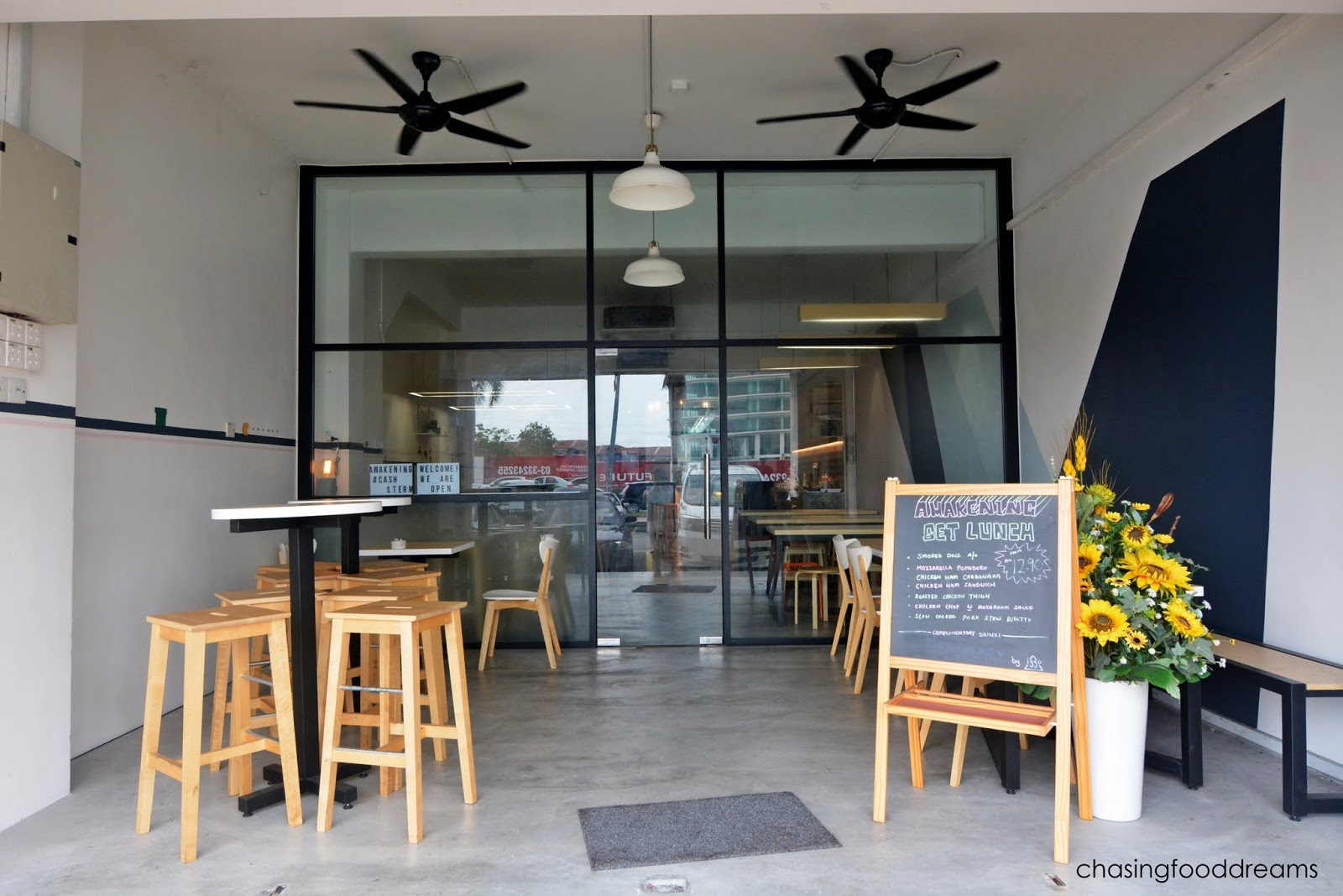 CHASING FOOD DREAMS Awakening Caf by Iggo  Klang