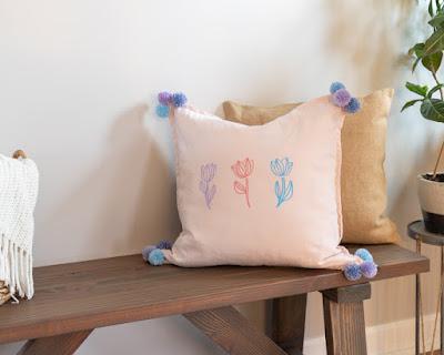 https://handmadeweekly.com/diy-spring-pillow/