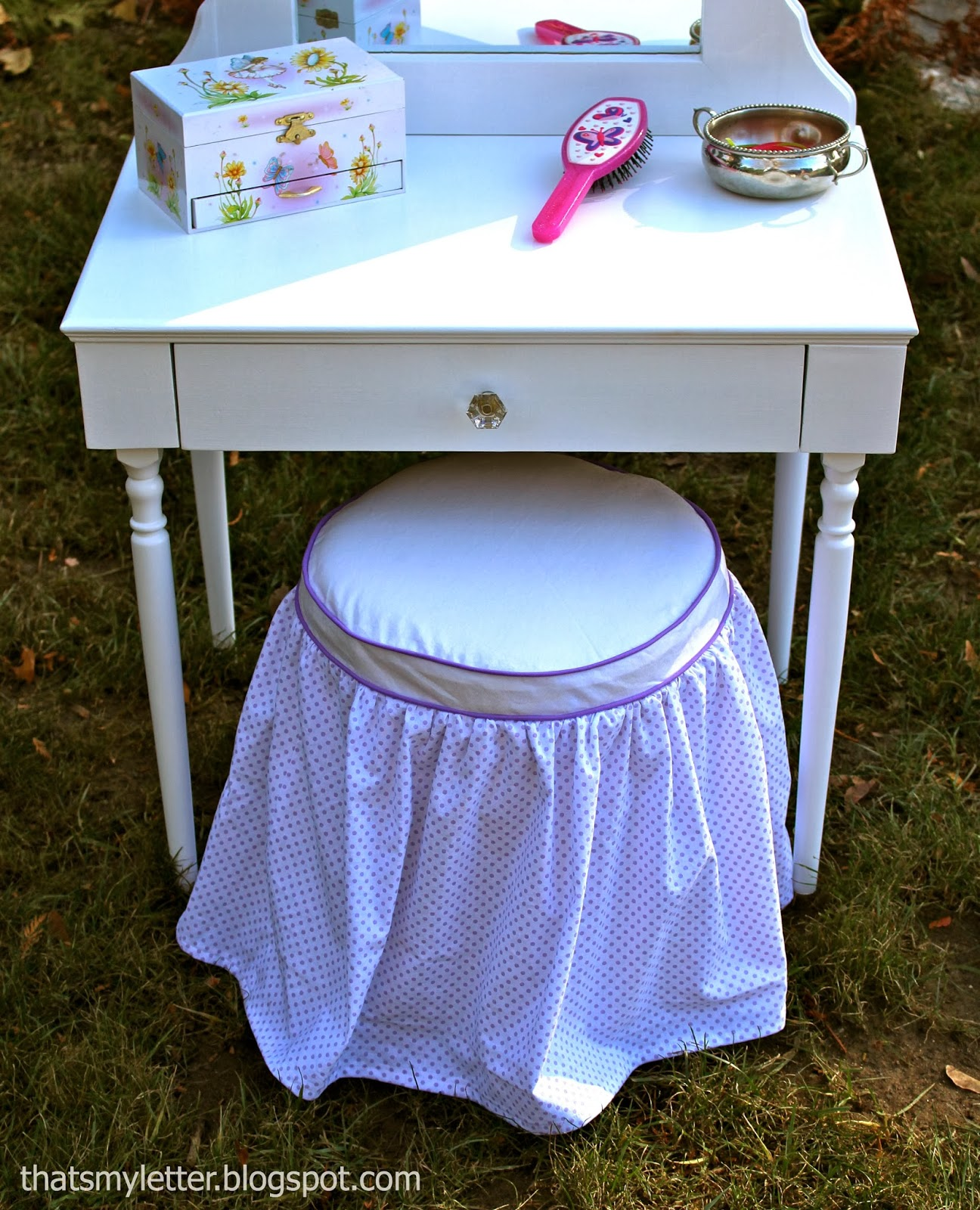 Kids Vanity Chairs That 39s My Letter Diy Vanity Stool And Slipcover