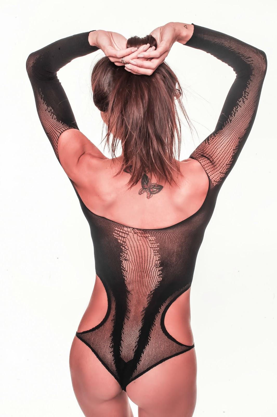 body total black