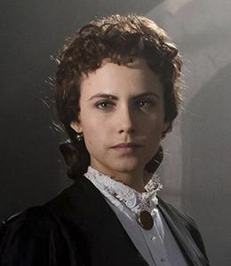 Amelia Folch (Aura Garrido)