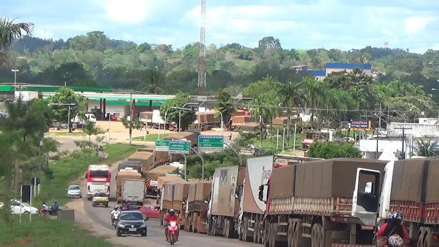 Greve dos caminhoneiros vai para o 4º dia e sobe para 14 o número de bloqueios em todo estado de Rondônia