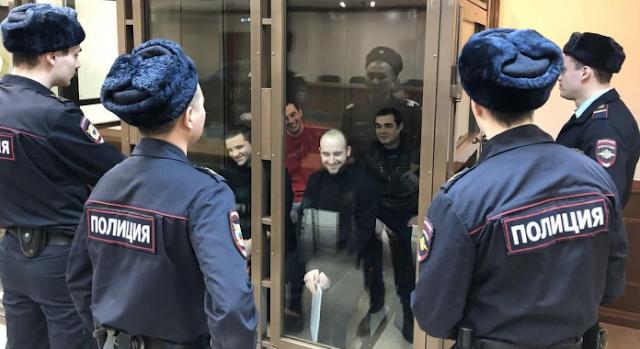 В Кремле заявили о выдаче Украине моряков и политзаключенных