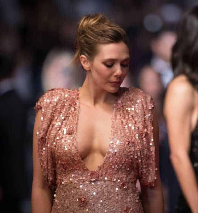 Elizabeth Olsen Sexy Photos: Hot Boobs Cleavage Show