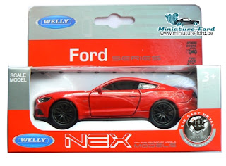 Welly, 2015 Ford Mustange GT,carton gris et rouge