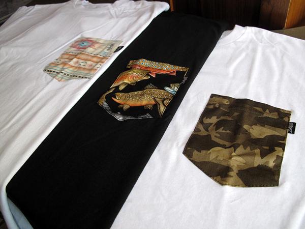 camiseta com bolso estampado (12)