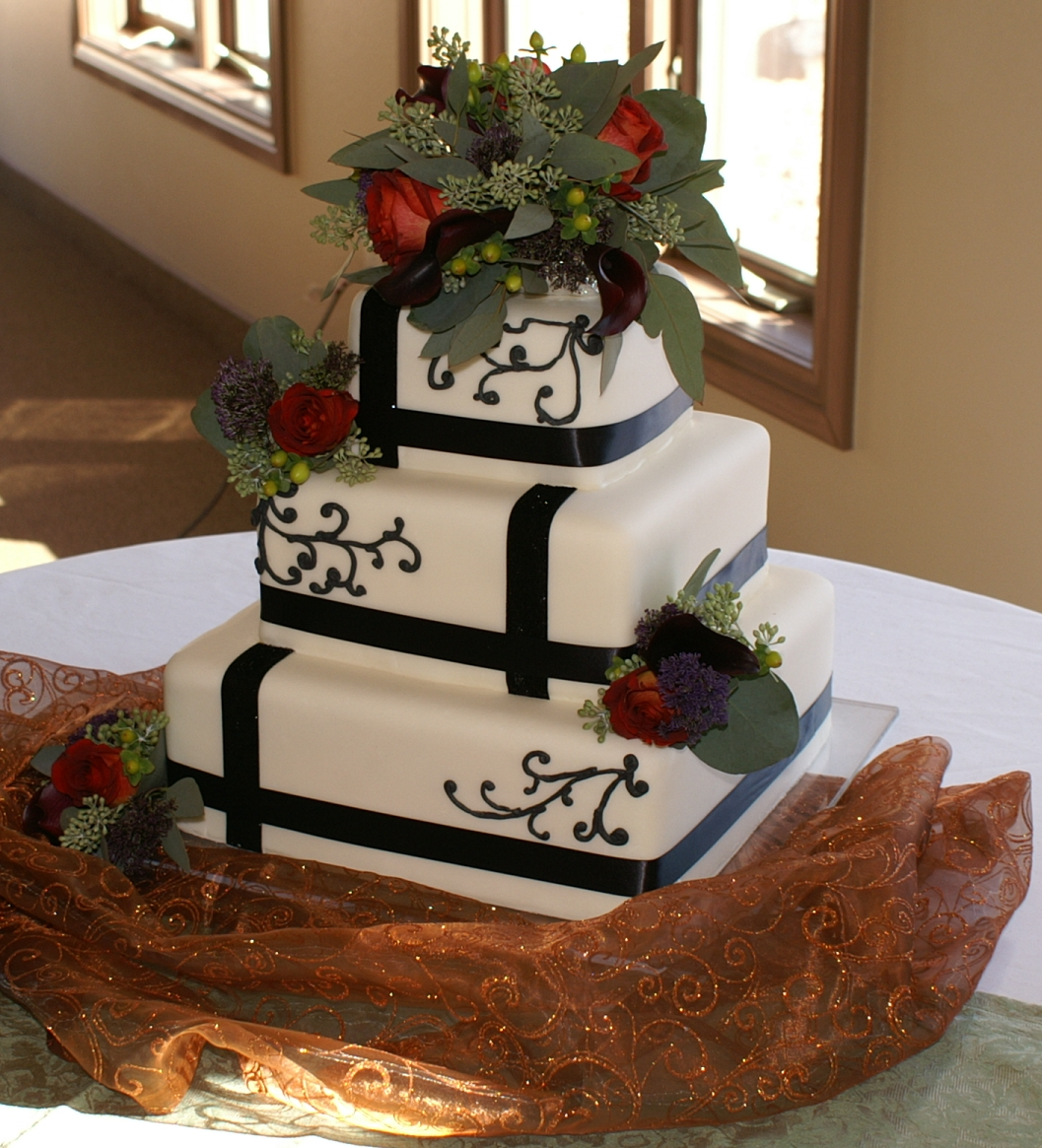 Square Wedding Cake Ideas: Pace Of Cakes: Square Cake For Suzie