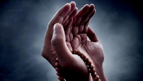 التداوي بالدعاء كما فعل رَسُولُ اللهِ صلّى الله عليه وسلّم