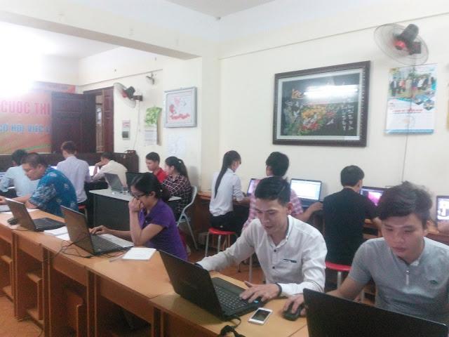 Các học viên trong lớp trong lập trình drupal