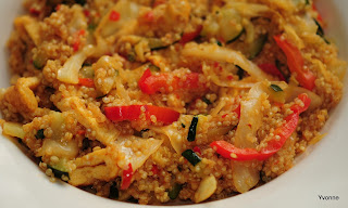 Roergebakken groente met quinoa & ei