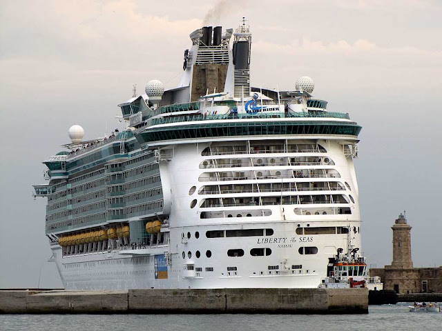 Liberty of the Seas cruise ship, IMO 9330032, port of Livorno