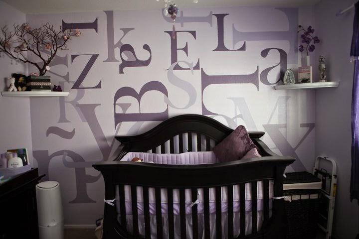 Dormitorio bebé gris morado