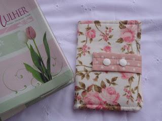 tecido de rosas