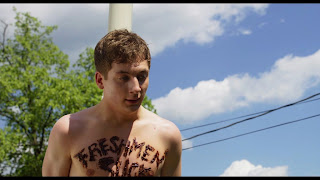 The Stars Come Out To Play: Jeremy Allen White - Shirtless
