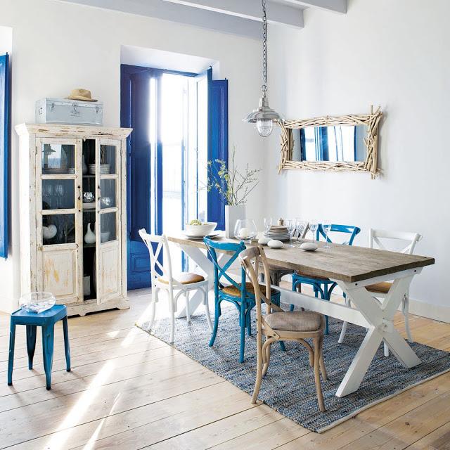 sala jantar rustica estilo mediterraneo azul e branco