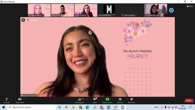 Jessica Iskandar atau Jedar di Re-Launch website FELANCY