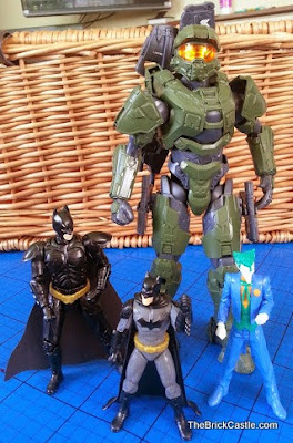 SpruKits review showing scale Halo Batman DC Villain The Joker