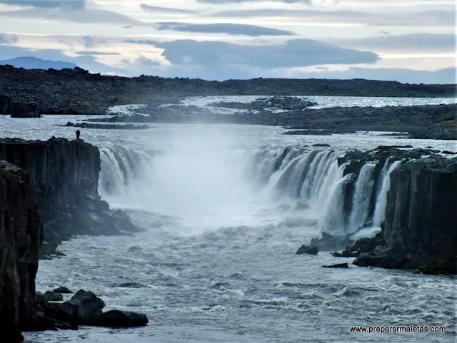 lista con las cascadas más bonitas de Islandia