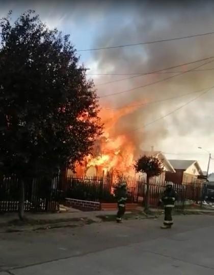 Osorno: Incendio afectó a 3 viviendas