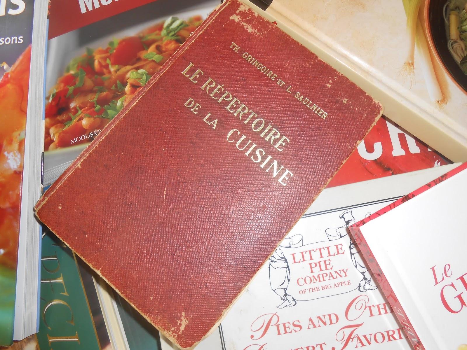 Le chef pierre d 39 iberville d finition des termes - Chef de cuisine definition ...