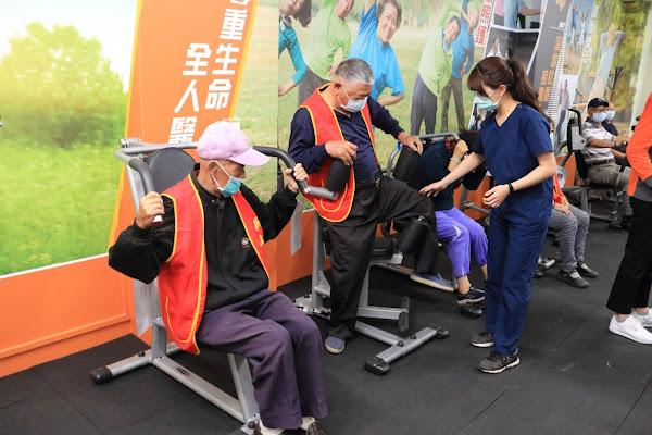 員榮員生守護在地獨居長輩 健身益智練肌力和腦力