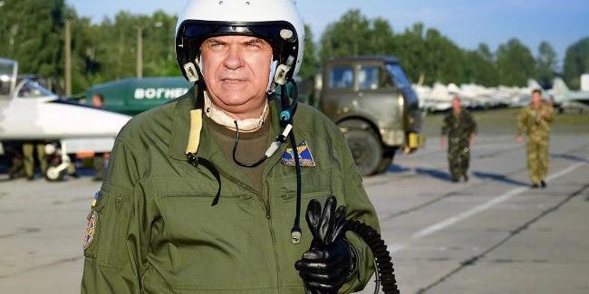 Екскомандувач Повітряних Сил подав до суду на Зеленського