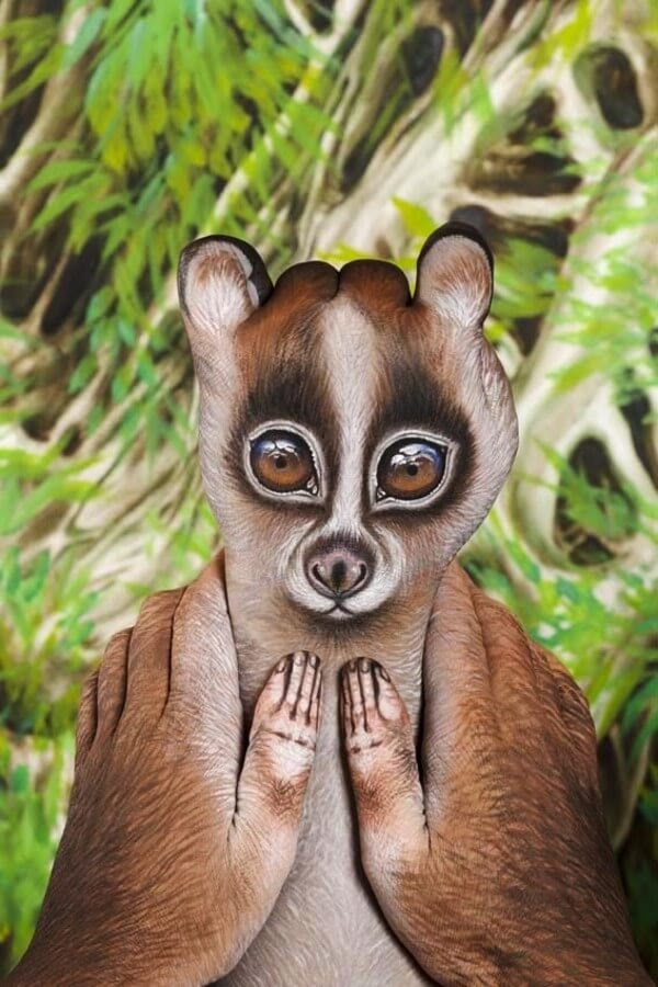 04-Lemur-Loris-Guido-Daniele-Body-Painting-www-designstack-co