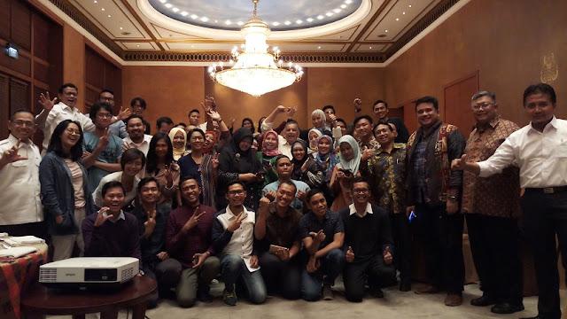 pt pln terangi negeri, bersama blogger