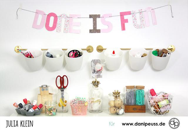 http://danipeuss.blogspot.com/2017/01/jahresmotto-girlande-mit-dem-alphabet.html