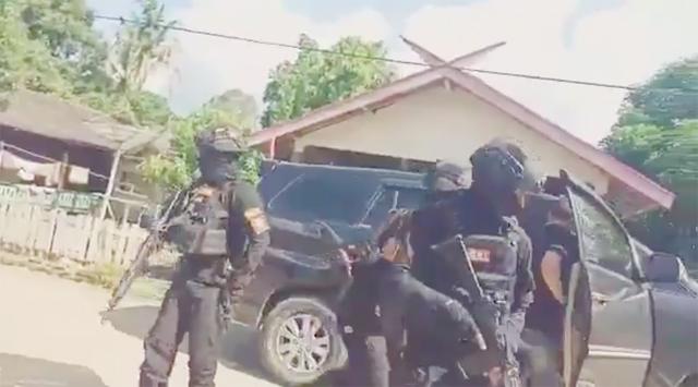 Lawan Pengusaha Sawit, Ketua Adat Laman Kinipan dan Anak Buahnya Ditangkap Satu Persatu