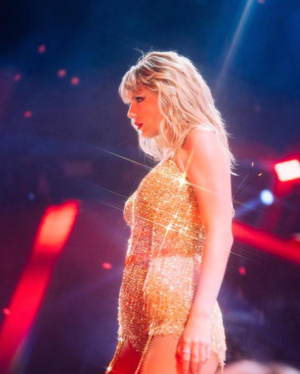 Taylor Swift Super Hot Photos