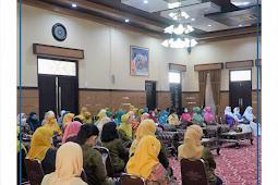 Kelola Sampah Perkotaan, Ibu-ibu di Kota Mataram Ikut Pelatihan Pilah Sampah
