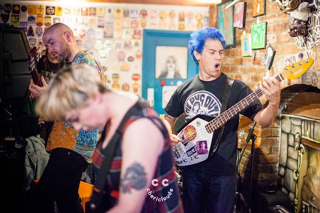 Kiss Me, Killer performing at The Chelsea Inn, Bristol, hosted by Fishlock Promotions 17/4/2017