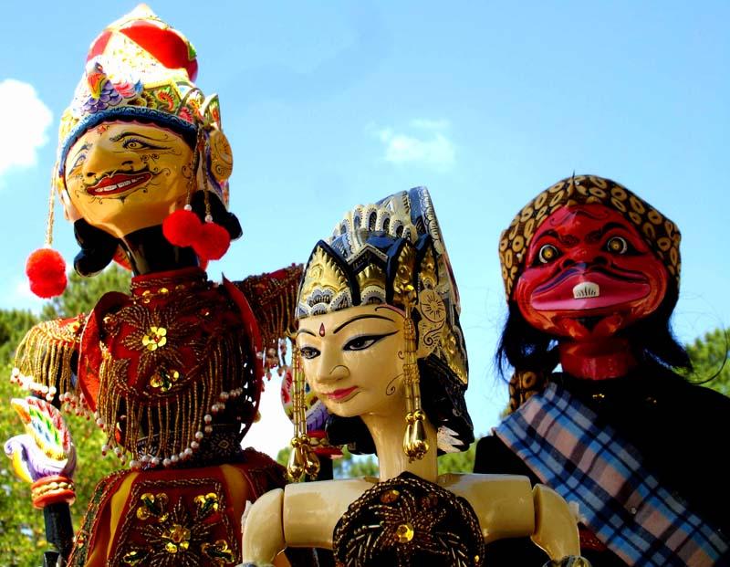 Cerita Daerah Dengan Bahasa Sunda Sunda Wikipedia Bahasa Indonesia Ensiklopedia Bebas Sunda Pandai Mendalang Maka Bahasa Yang Digunakan Adalah Bahasa Sunda