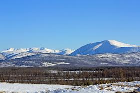 6 Gurun Pasir Dikepung Pegunungan Salju