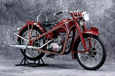Sepeda Motor Tipe-D buatan pertama Honda