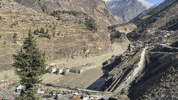 7 Orang Tewas dan 125 Masih Hilang Akibat 'Tsunami Himalaya' di India