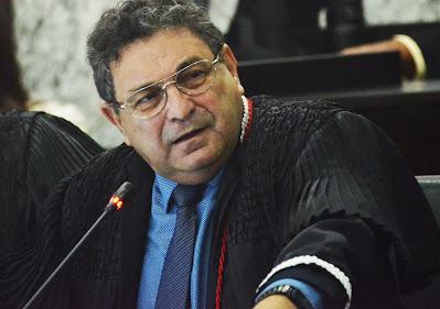 Desembargador Bayma aponta falta de legitimidade da PGJ para questionar decisão do TCE que aprovou contas de Dr. Julinho