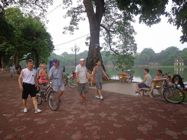 Cycling around Hoan Kiem lake and West lake 2